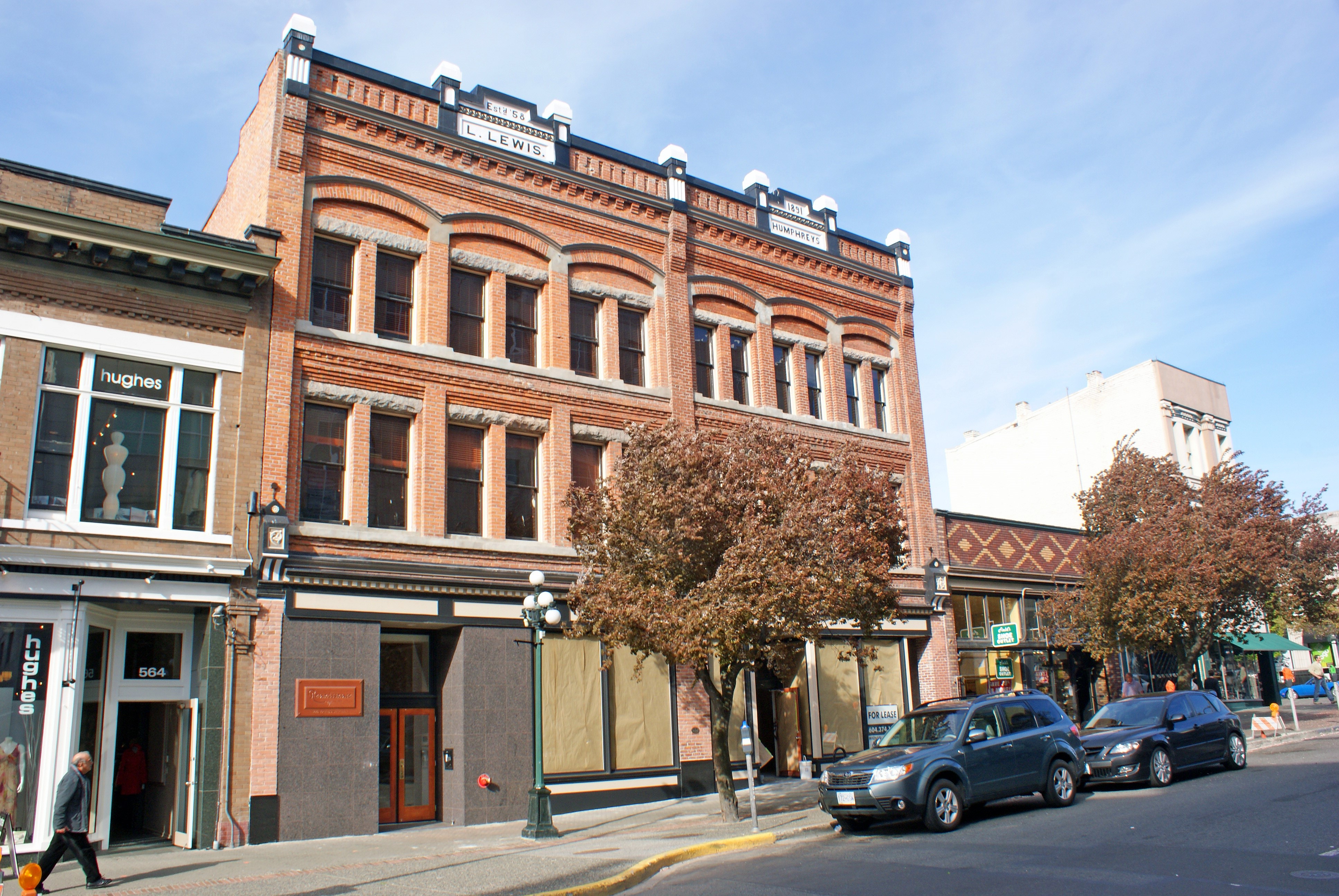 Renaissance Lofts – 566 Yates Street